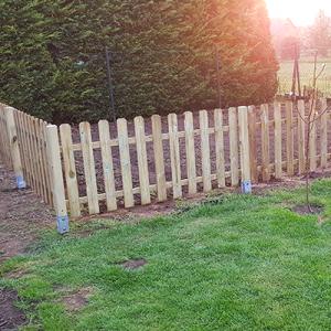 Szarvas félmagas kerítés