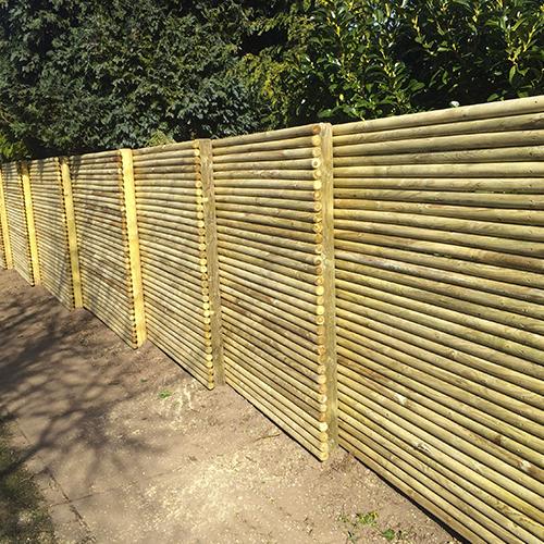 Skandináv kerítés rúdfából