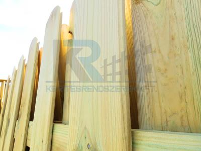 Palánk-jellegű fa tábla