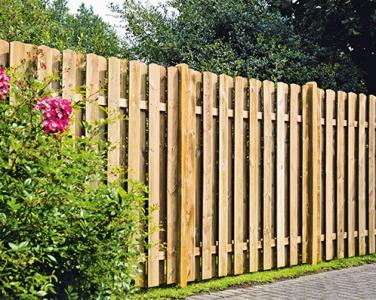 Fa táblás kerítések