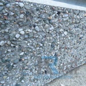 Gyöngykaviccsal díszített lábazati elem200x2000x57mm